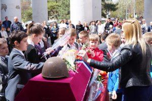 24 апреля 2018 года в СКЦ «Приморский» г. Таганрога состоялась передача останков солдата родным