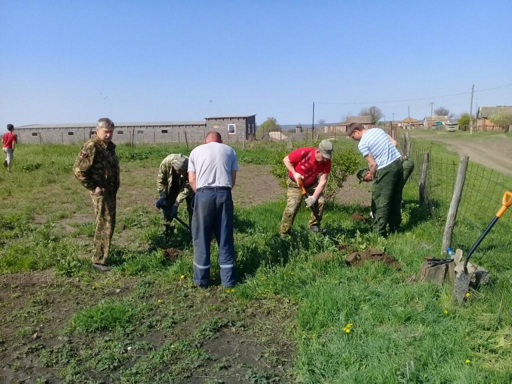 В Константиновском районе найдено захоронение разведчиков