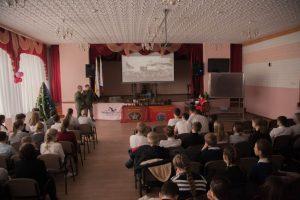 В рамках мероприятий, посвященных Дню неизвестного солдата поисковики ПО «Родник», провели встречу с учениками 8 и 9 классов в шк №11 г.Волгодонска