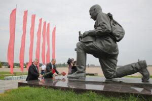 Сергей Лавров предложил учредить новый праздник — «День поисковика»